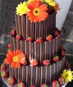 wedding cake with fresh flower pict
