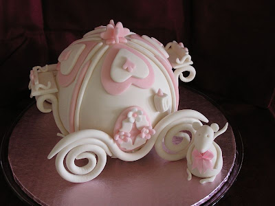 mini wedding cake shaped Cinderella Carriage