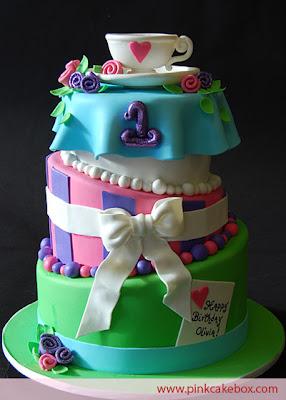 Las vegas wedding cakes cupcake on top