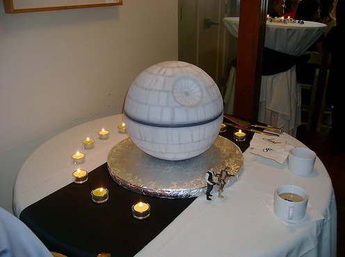 Star wars wedding cake decoration ideas wedding for Star wars dekoration