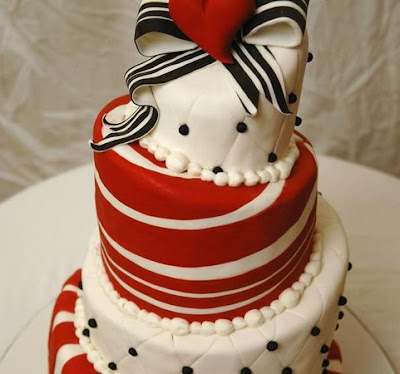 wedding cake black and red