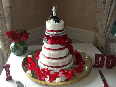 Round Wedding Cakes Red And Black