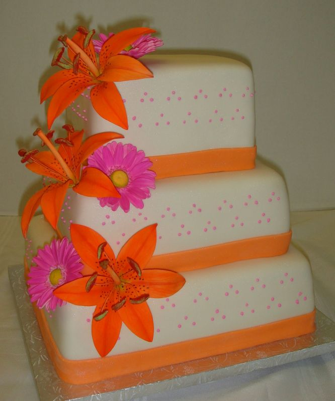 Orange wedding cakes colorful and attractive This wedding cakes decorated