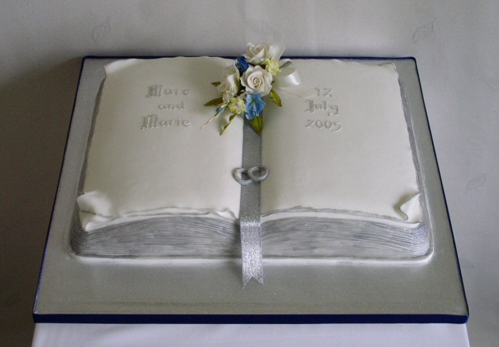 Cake Designs With Books : Book Wedding Cake ideas