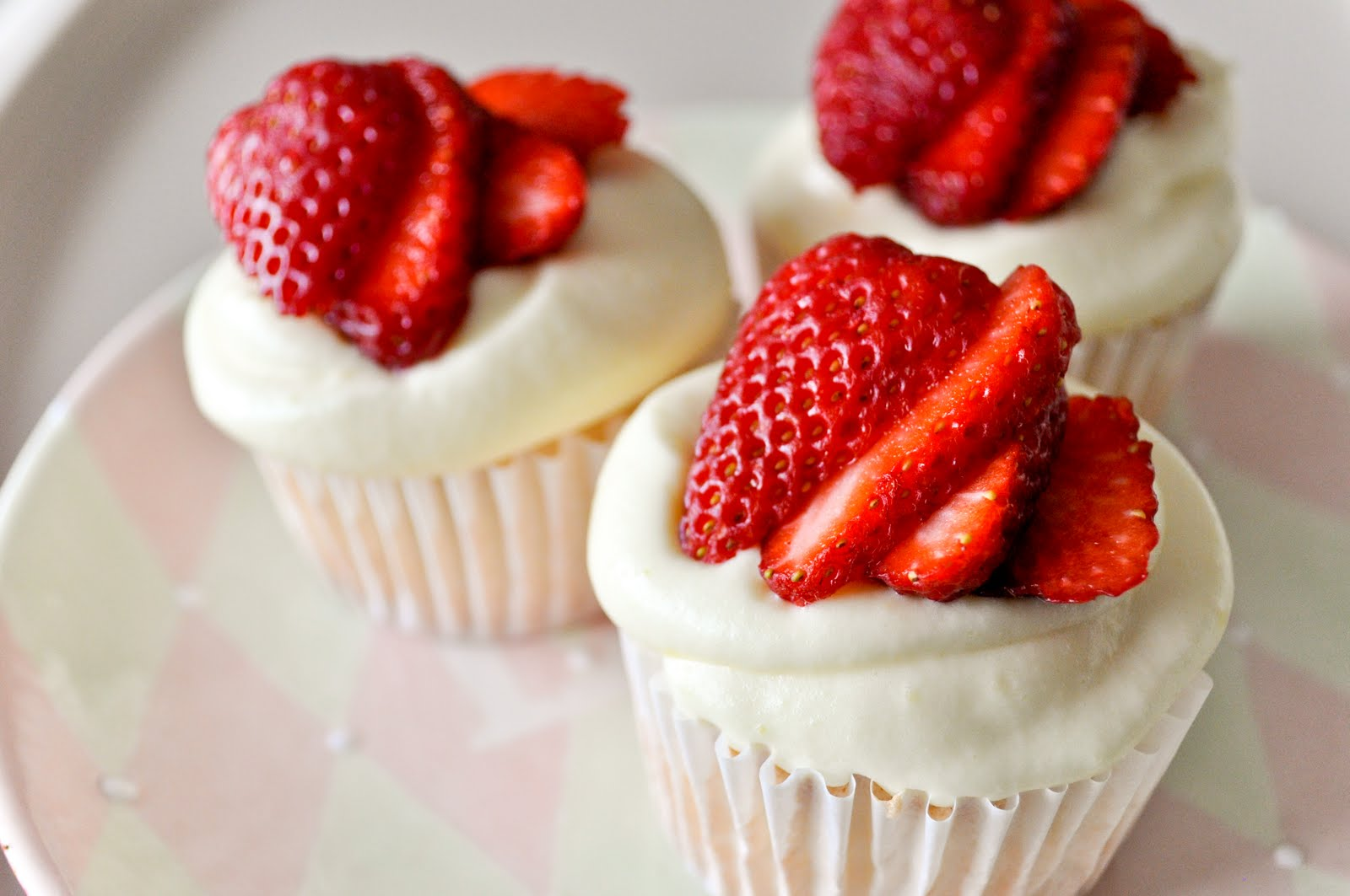 bake!: Angel Food Cupcakes
