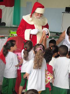 Grand Plaza Shopping Distribui presentes para mais de 600 crianças