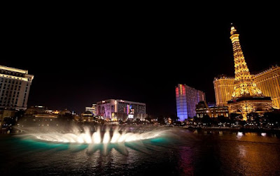 The Bellagio Casino Fountain Show Seen On    www.coolpicturegallery.net