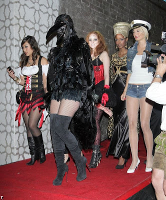 Halloween costumes, Halloween Celebrity costumes, halloween costumes 2011, celebrity costume ideas