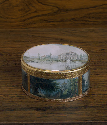 antique snuff box