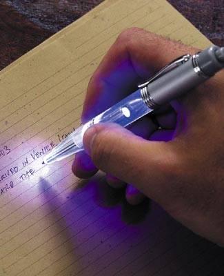 http://4.bp.blogspot.com/_h97zEan_PLI/TKRsZafsWbI/AAAAAAAAARI/IXAkENF42x4/s1600/Night-Writer-Pen.jpg