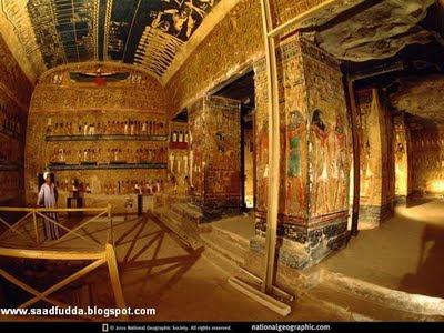 foto-foto dan gambar isi dari piramida di mesir