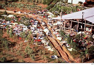 Ikut Aliran Sesat 2000 Orang Bunuh Diri Masal ! Plus Picture [ www.BlogApaAja.com ]