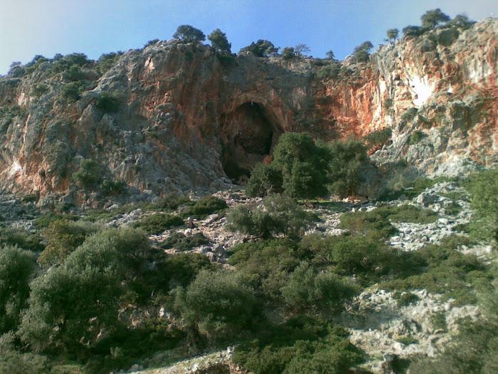 σπηλαιο Νεολιθικης Εποχης [ Αστακος Ακαρνανιας ]