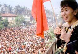 Demokratiförkämpe, nu med gloria på sned