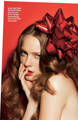 holiday beauty, model wearing huge bow