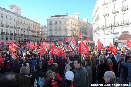 [FOTOS] Huelga y concentración de los trabajadores de las instalaciones deportivas municipales de Madrid 7