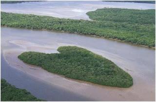 021510 1755 10mostamazi2 - Amazing Heart Shape Places