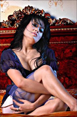 Sexy Presenter - Melly Zamri
