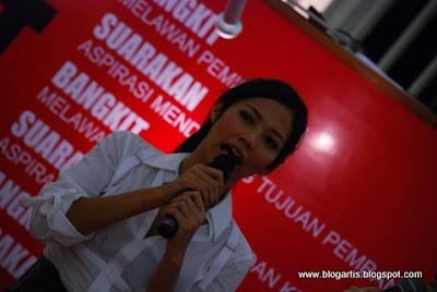 foto artis Indonesia Shanty