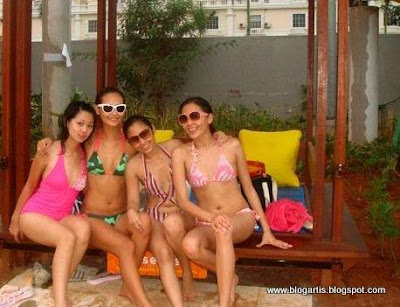 Indah Kalalo and friends in bikini