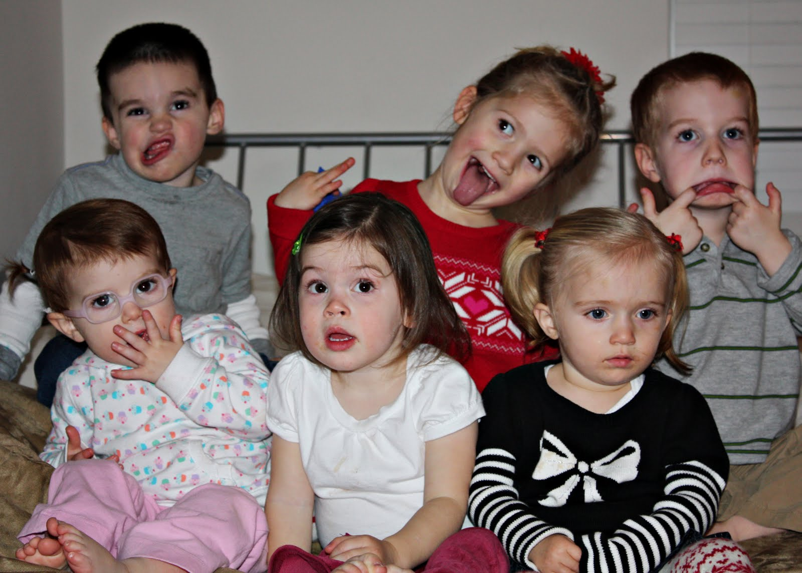 [christmas_eve_funny_faces[1]]