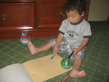 Mateo coloring his pix !!