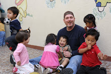 Doug with all the kids at the hogar