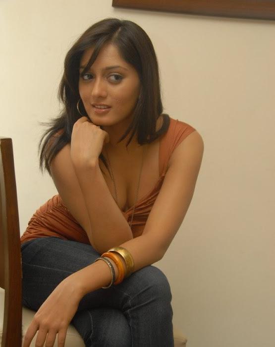 parvathi vaze latest photos