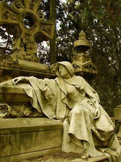 estatua cementerio Montjuic