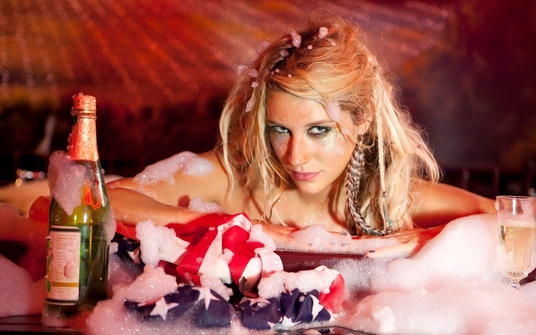 http://4.bp.blogspot.com/_hJLG8m7pqEg/TDwuzqOfsZI/AAAAAAAADAQ/6zYSbD6D9F8/s1600/Kesha+%27%27Ke%24ha%27%27+Sebert3.jpg