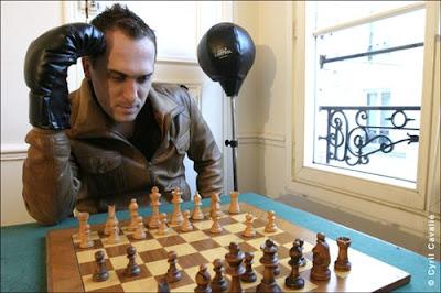 Jean-Luc Chabanon, professeur et joueur d'échecs professionnel, passionné de chess boxing © Cyril Cavalié