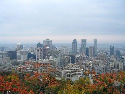 Montréal avec tous ses gratte-ciel au cœur du centre-ville