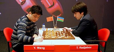 la victoire hier de Radjabov contre Wang Yue avec son Est-indienne mortelle © ChessBase