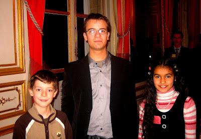 Romain à Paris en Décembre dernier, avec 2 enfants qui jouaient la simultanée