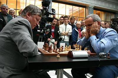 Les deux K lors d'un blitz à Zurich en 2006 © ChessBase