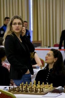 Echecs à Hatay : Almira Skripchenko en compagnie d'Alexandra Kosteniuk