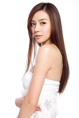Chinese Model Zhou Wei Tong Photos