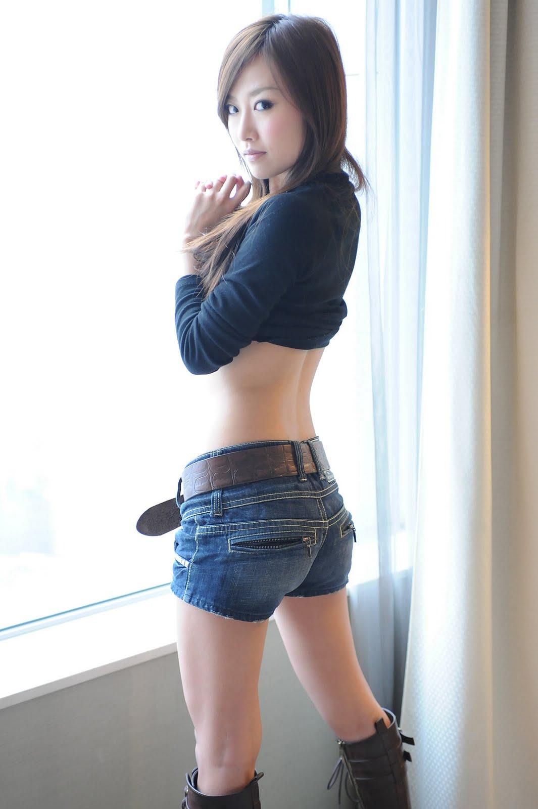 vietnamese girl in shorts