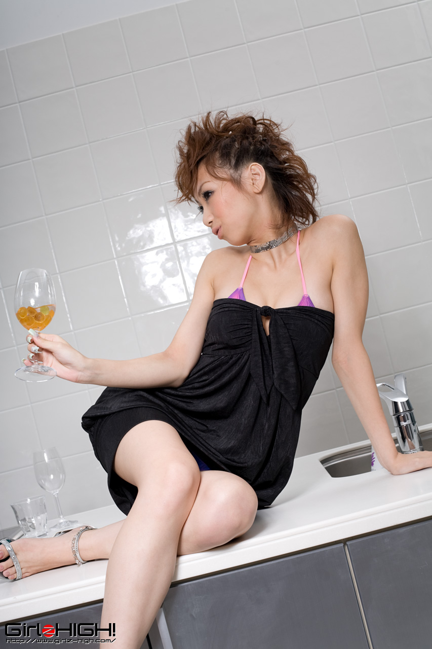 http://4.bp.blogspot.com/_hJVox6-vy_4/TTmKSpSOsAI/AAAAAAAAH4E/BgYONFGJxpU/s1600/Minami%2BMizusa%2Bvery%2Bcool%2Bhair%2Bstyle09.jpg