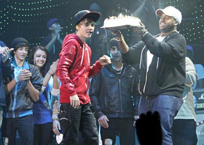bieber cake. Justin Bieber Gets A Surprise