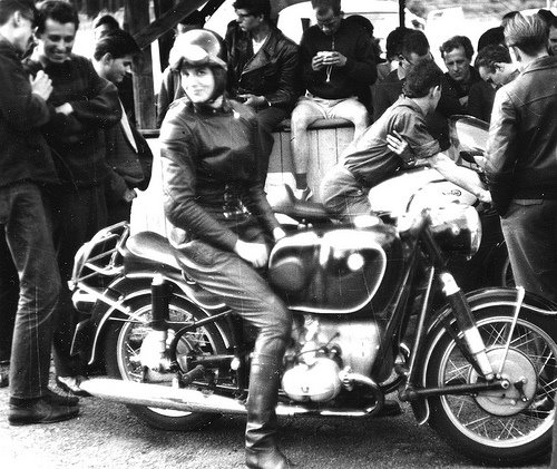 Vintage photos of Women Motorcyclists... - Page 3 ...