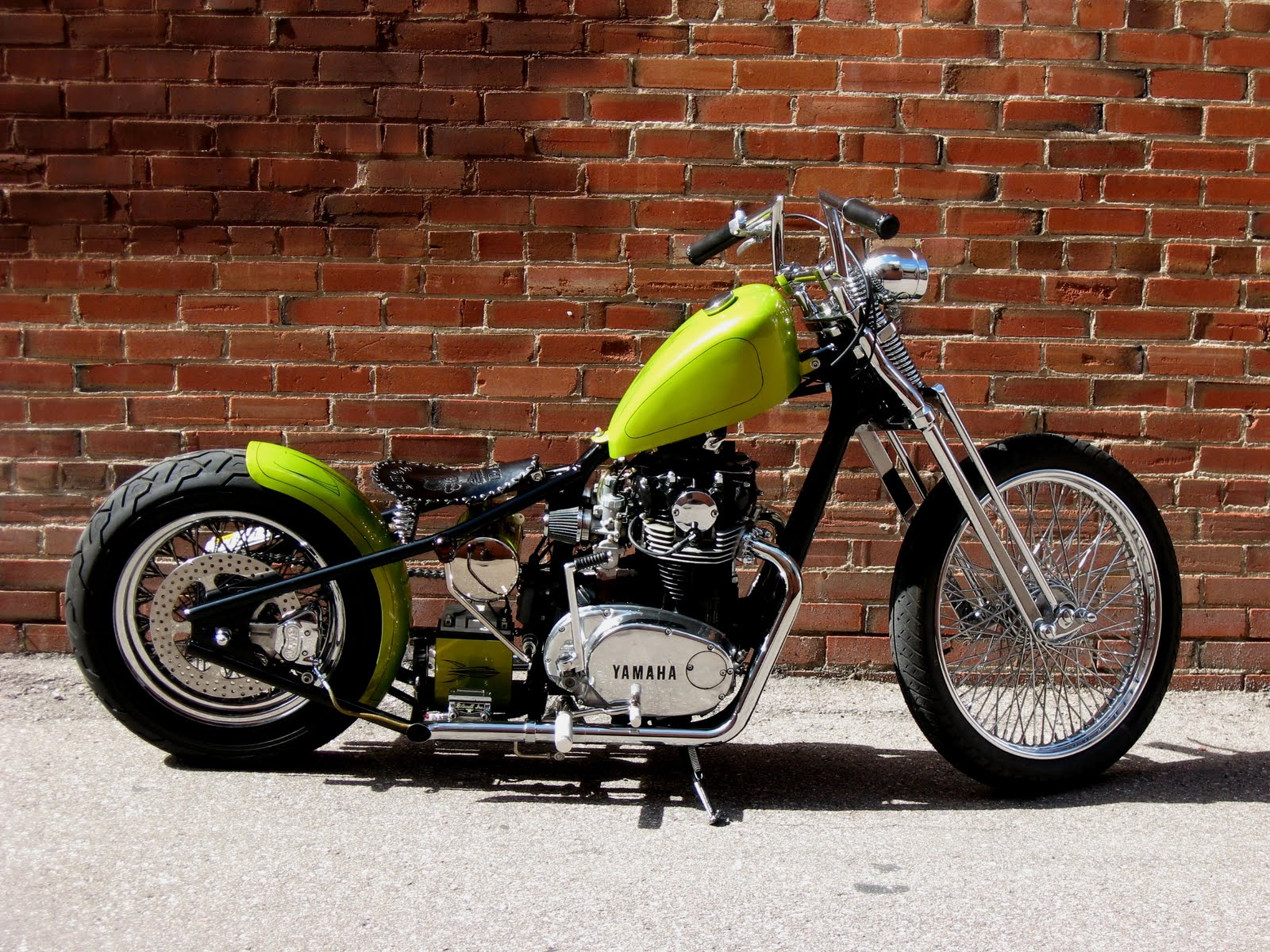 triumph bobbers lime green goodness yamaha xs650 bobber. Black Bedroom Furniture Sets. Home Design Ideas