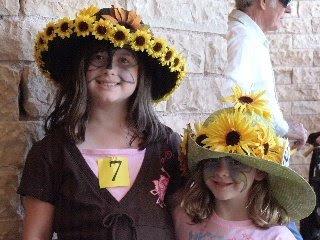 http://4.bp.blogspot.com/_hKqri_-IJL0/SLXU4Xt_ccI/AAAAAAAAA6c/J7twxV1MN-Q/s400/hat-kids2008.JPG