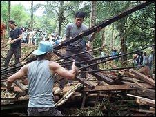 انهيارات في اندونسيا