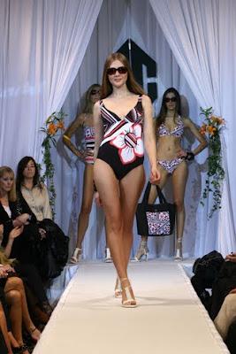 desfile de lenceria lenceria transparente lenceria fina lenceria femenina  trajes de baños