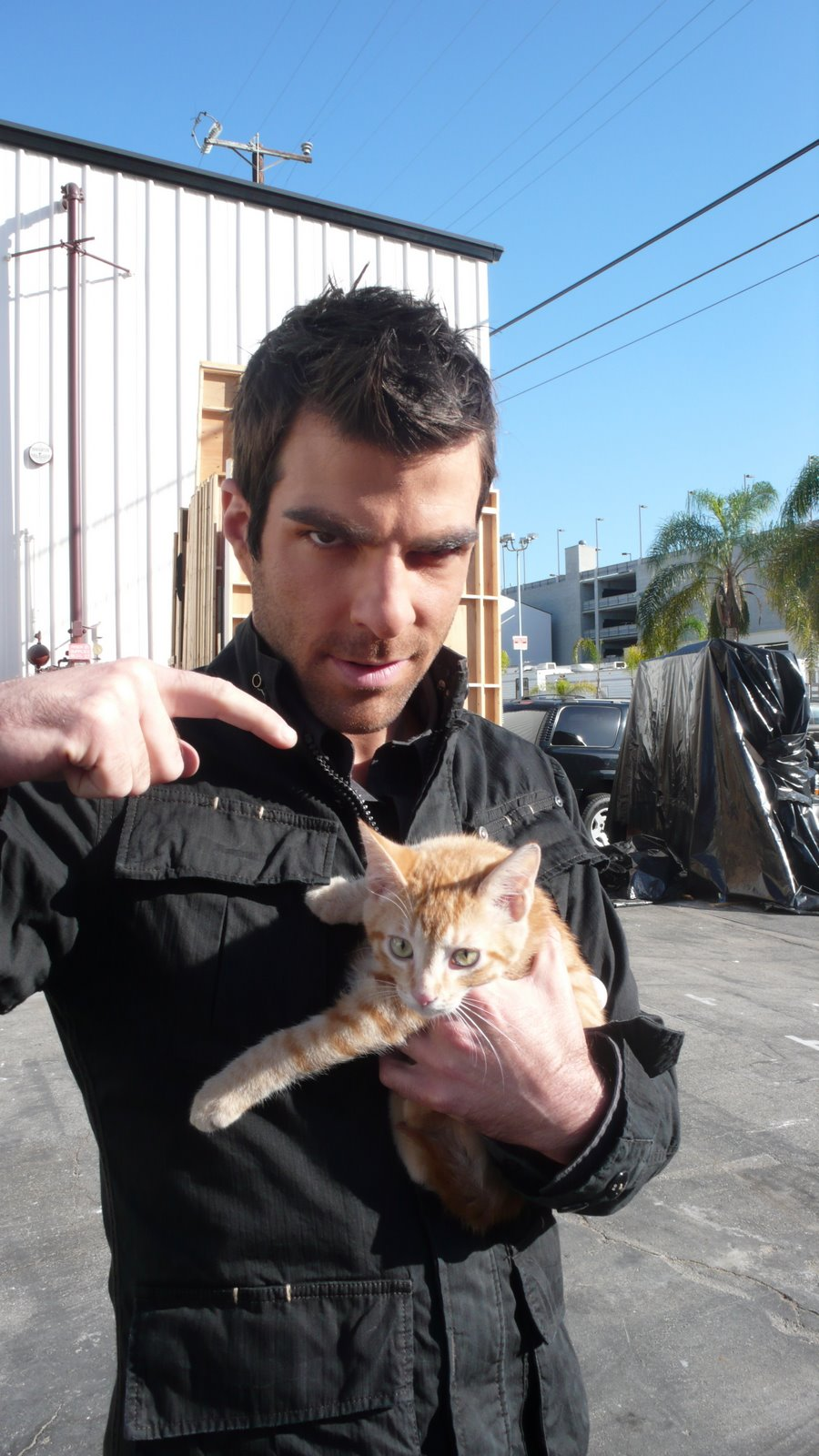 [11+sylar+and+a+cat.JPG]