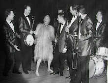 Phyllis Diller and the Gold Coast Jazz Band