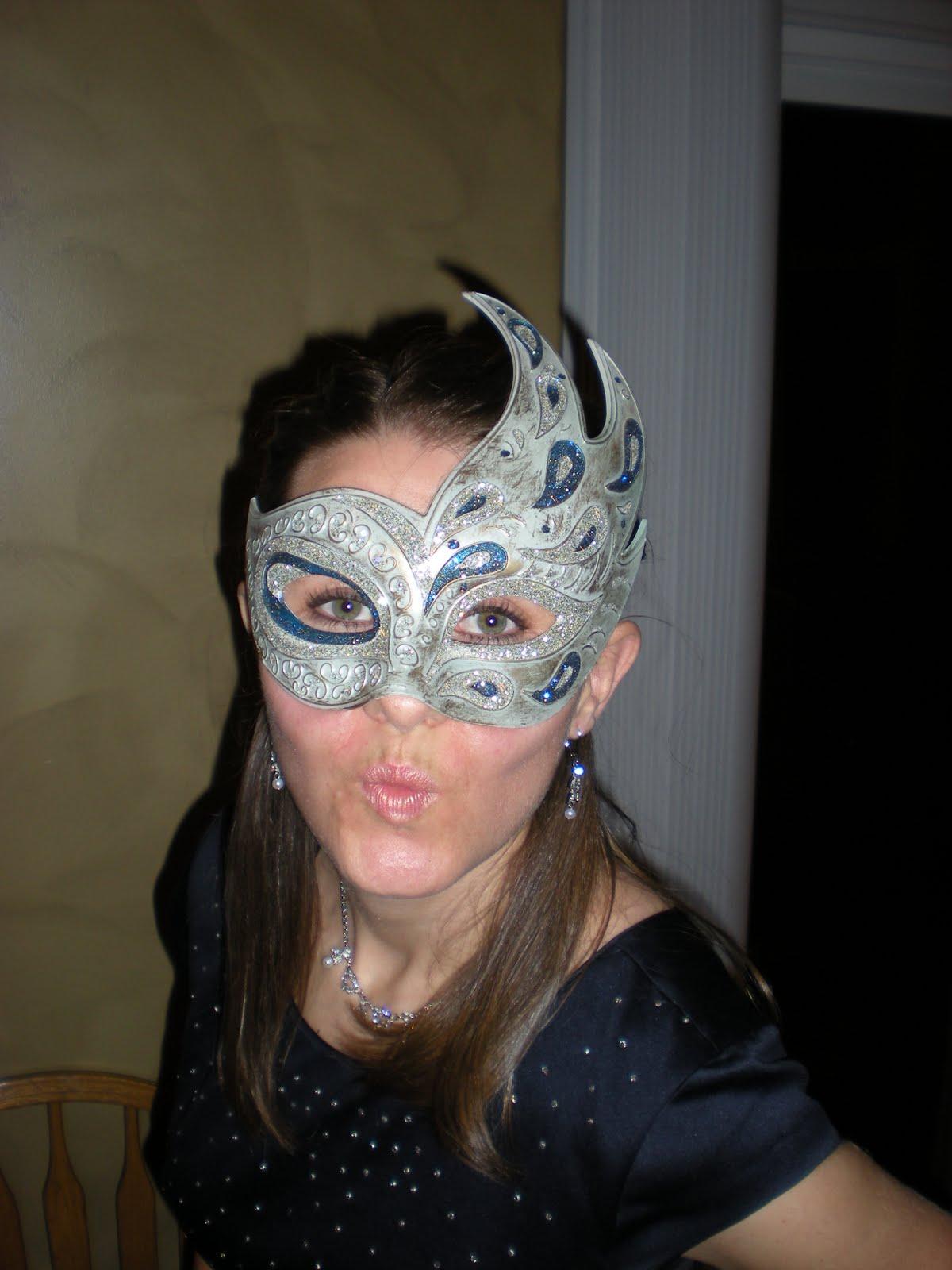 Laura's Life: Masquerade Ball and Halloween!!