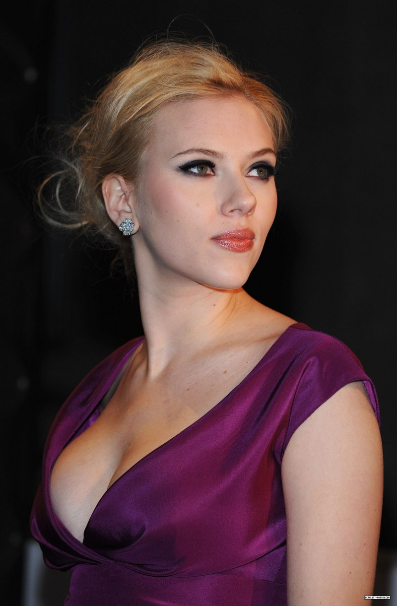 Unseen hot photos of actresses scarlett johansson unseen for Usa hot pic