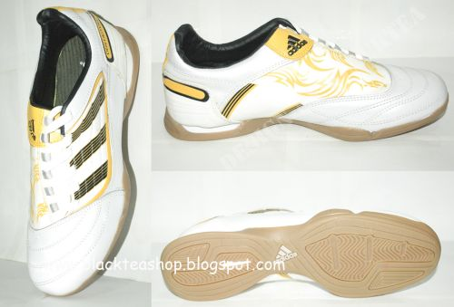 Harga adidas predator futsal 2013